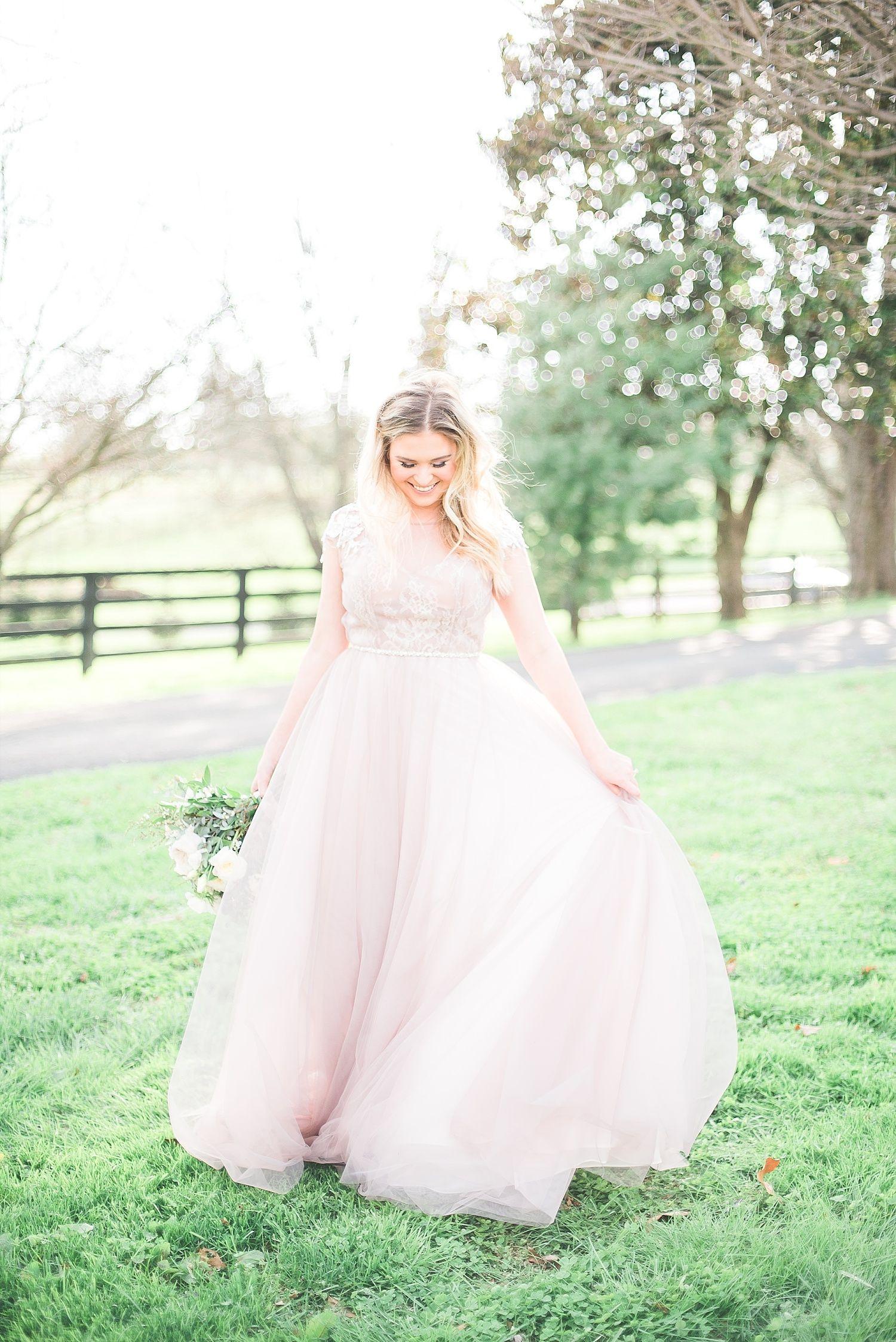 Beautiful Bridal Session By Keith Melissa Photography Lexington Ky Wedding Photographers Shot A Pink Wedding Gowns Modest Wedding Dresses Kentucky Wedding [ 2247 x 1500 Pixel ]