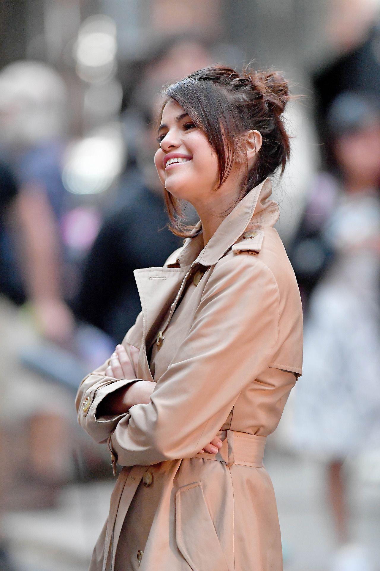 September 11 Selena on set of Woody Allen's film in New