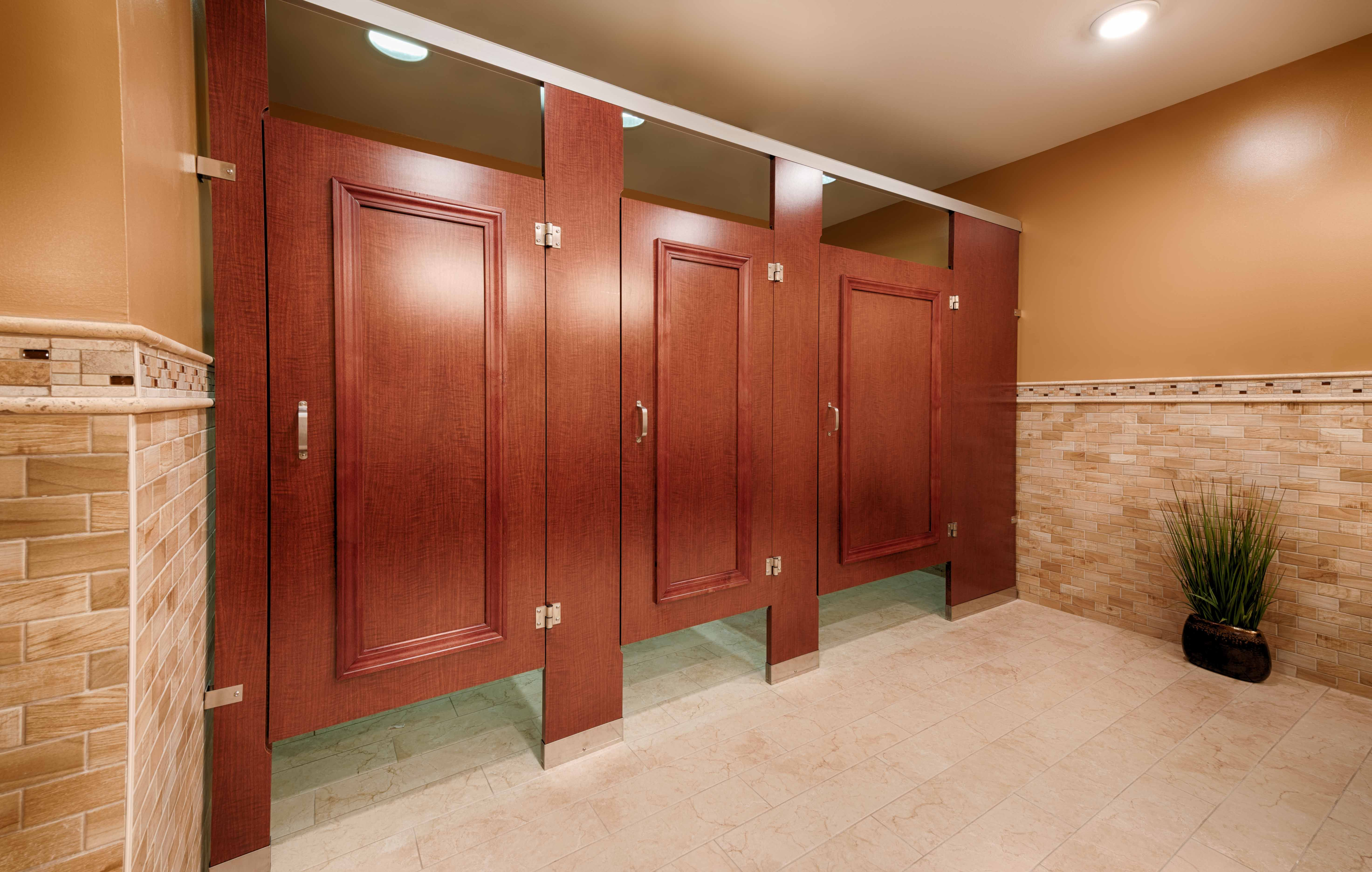 Ironwood Manufacturing Laminate Toilet Partition With Molding - Bathroom privacy partitions