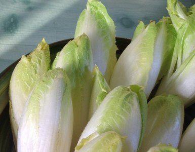 Ricetta Barchette d'indivia (Antipasti) [VeganHome]