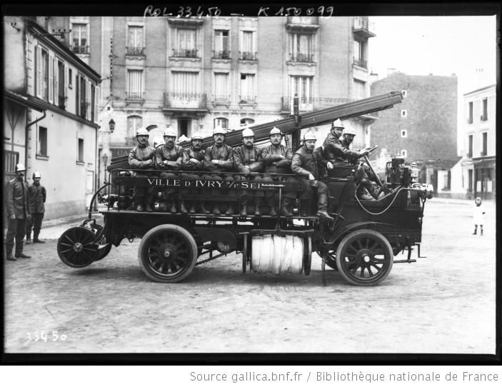 voiture des pompiers brasier pompiers d 39 ivry sur seine photographie de presse agence. Black Bedroom Furniture Sets. Home Design Ideas