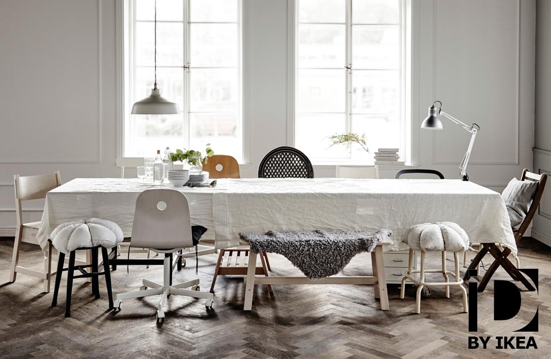 Niet genoeg plaats? Maak plaats aan de feesttafel met originele stoelen. STORNÄS uittrekbare tafel. #IKEABE #IKEAidee #aantafel