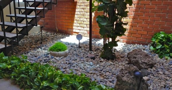 32 Cool Ideas To Use Pebbles To Decorate Your Home Interior Beach