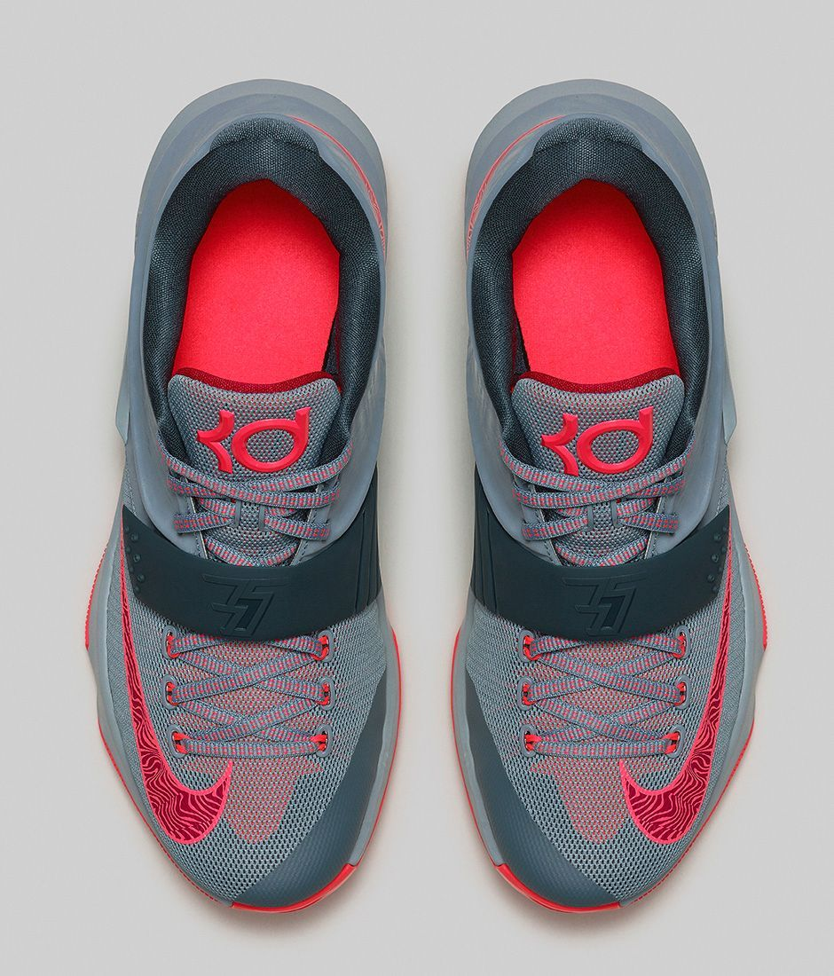 premium selection 7b3e9 671fa NIKE KD7  CALM BEFORE THE STORM  Grey Hyper Punch Light Magnet Grey