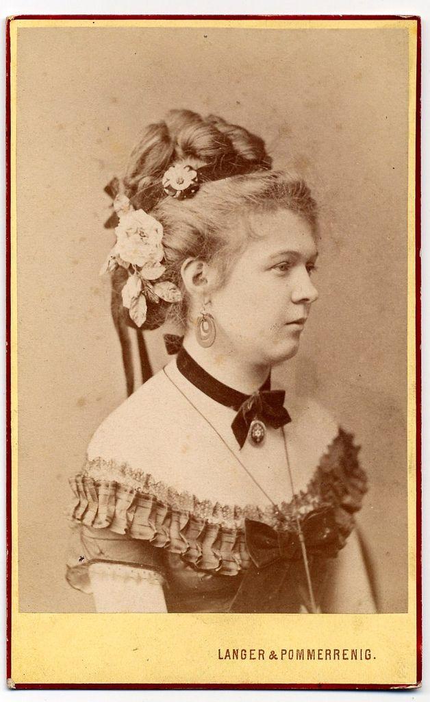 Contemporary Carte De Visite 1880s