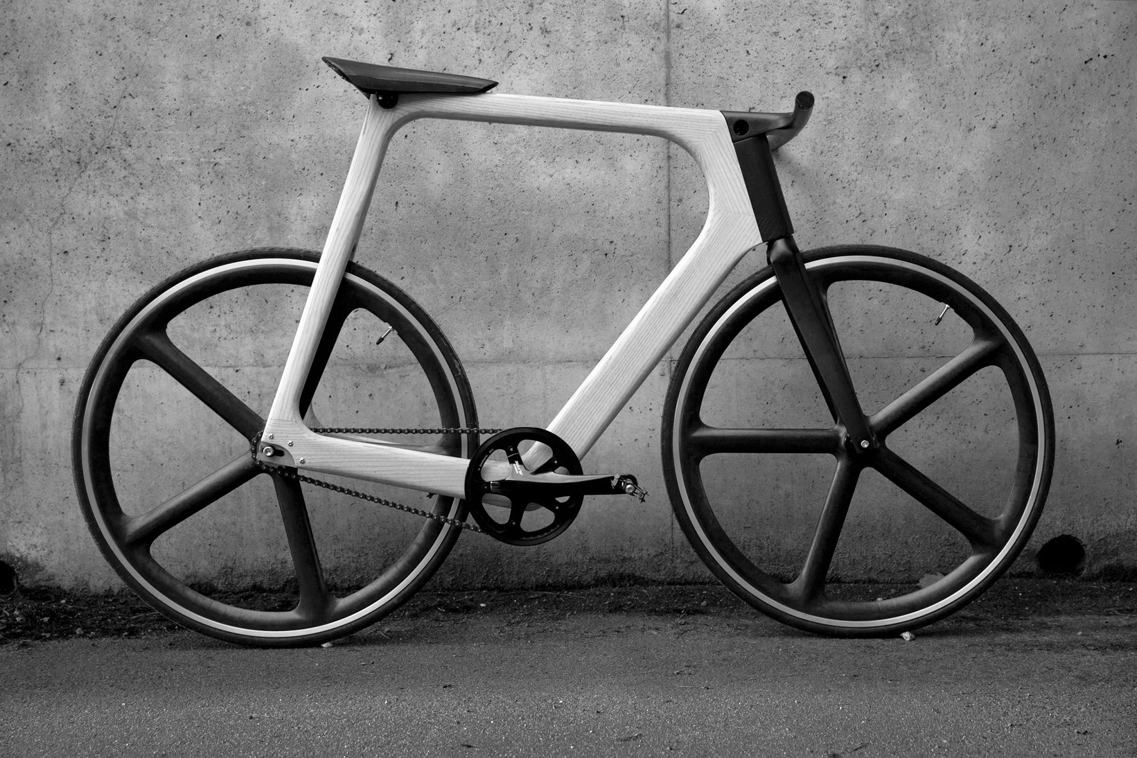 Slender and sleek: Arvak bicycle by French company Keim. Wish it wasn't a fixed gear!