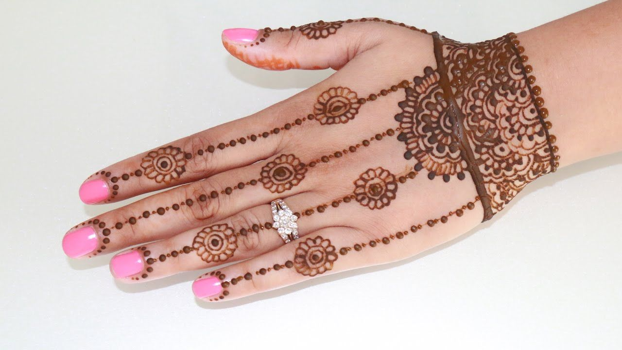 Traditional Mehndi Designs Photos : Learn traditional henna design for karwachauth step by