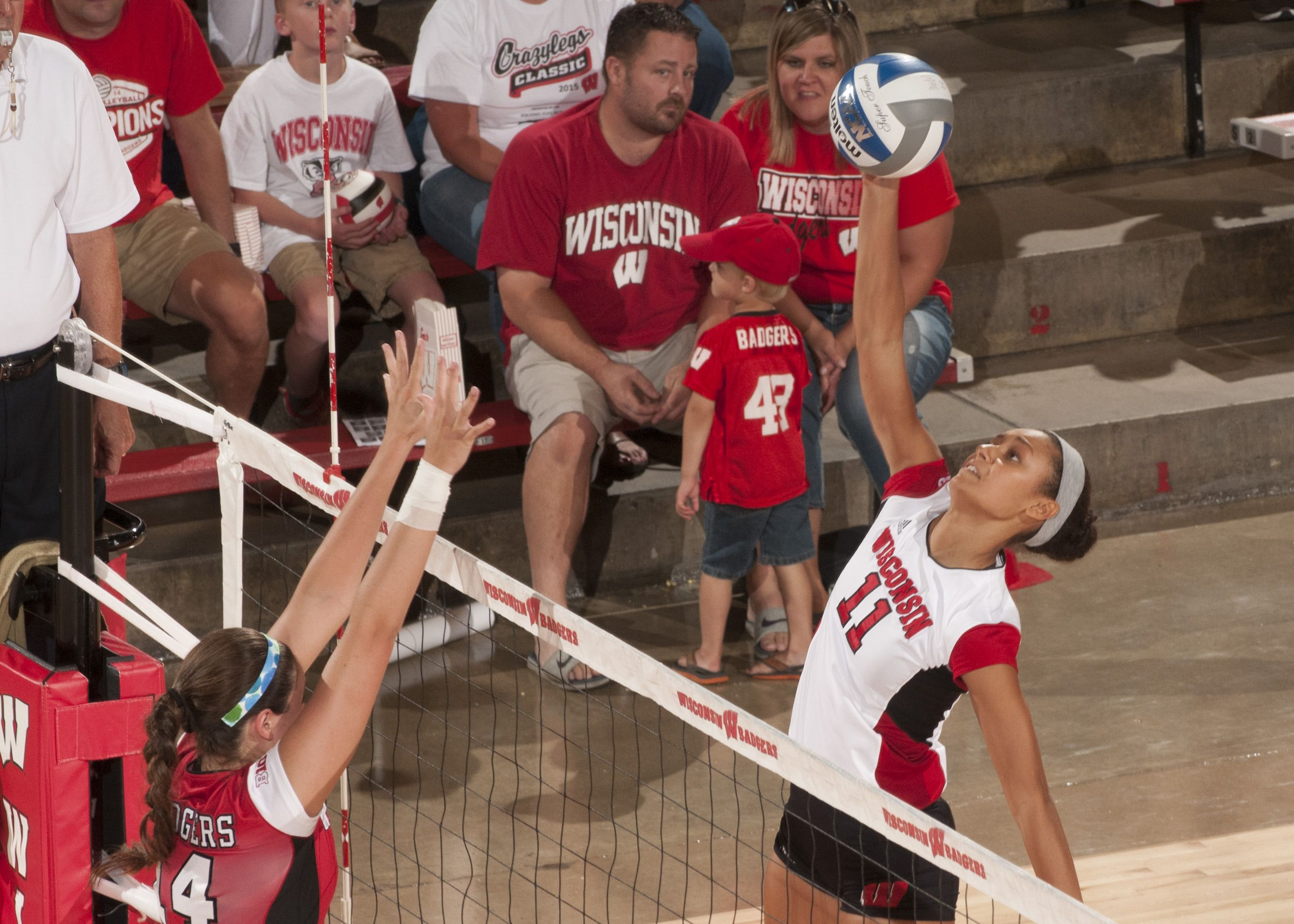 Strong Offense Powers Cardinal Team To Victory Wisconsin Badgers Cardinals Team Badger Volleyball