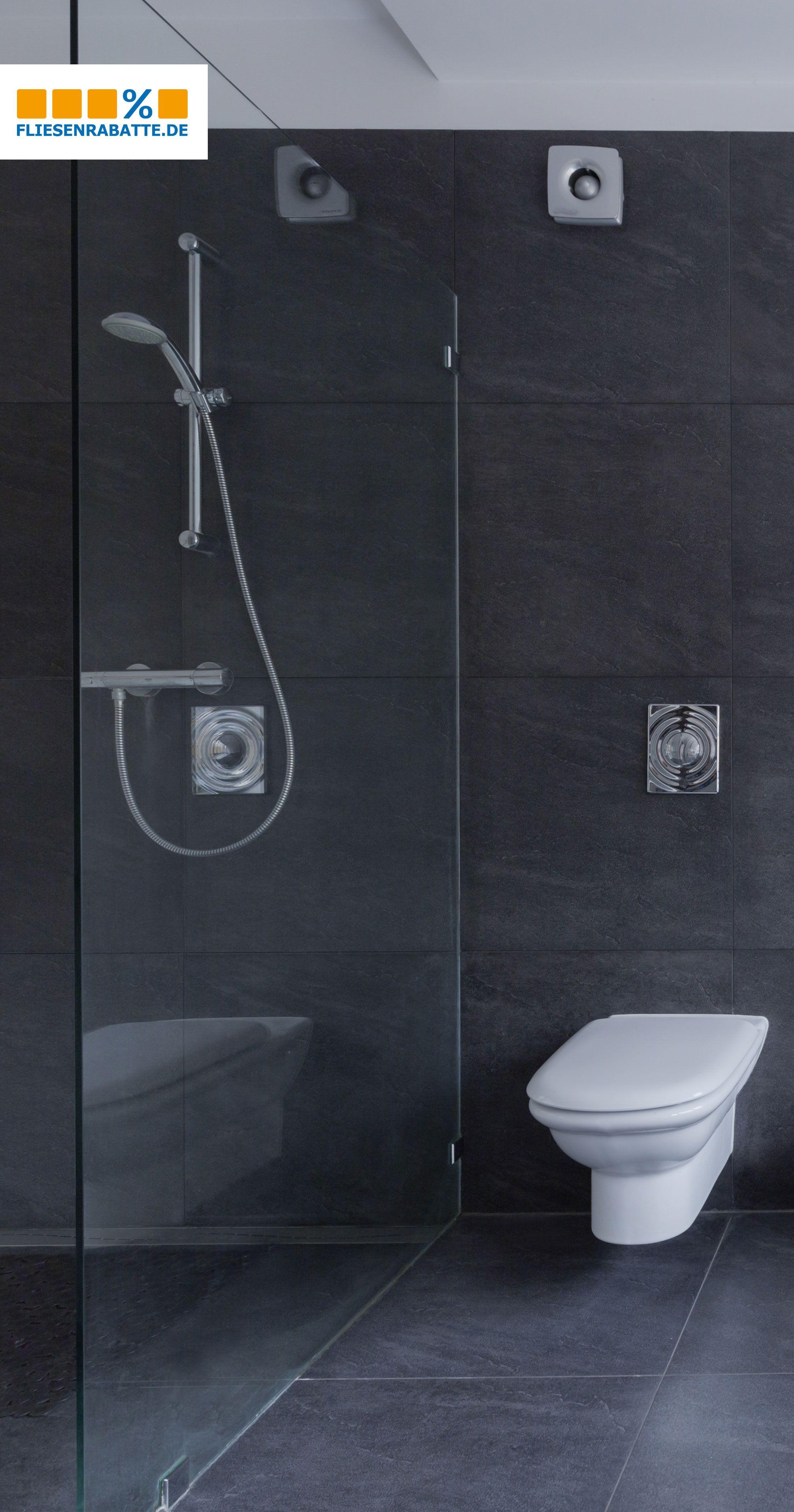 Xxl Fliesen In Dunklen Ausdrucksstarken Farben Bringen Einen Hochmodernen Look In Das Badezimmer Oder Auch I Badezimmer Doppelbadewanne Badezimmer Anthrazit