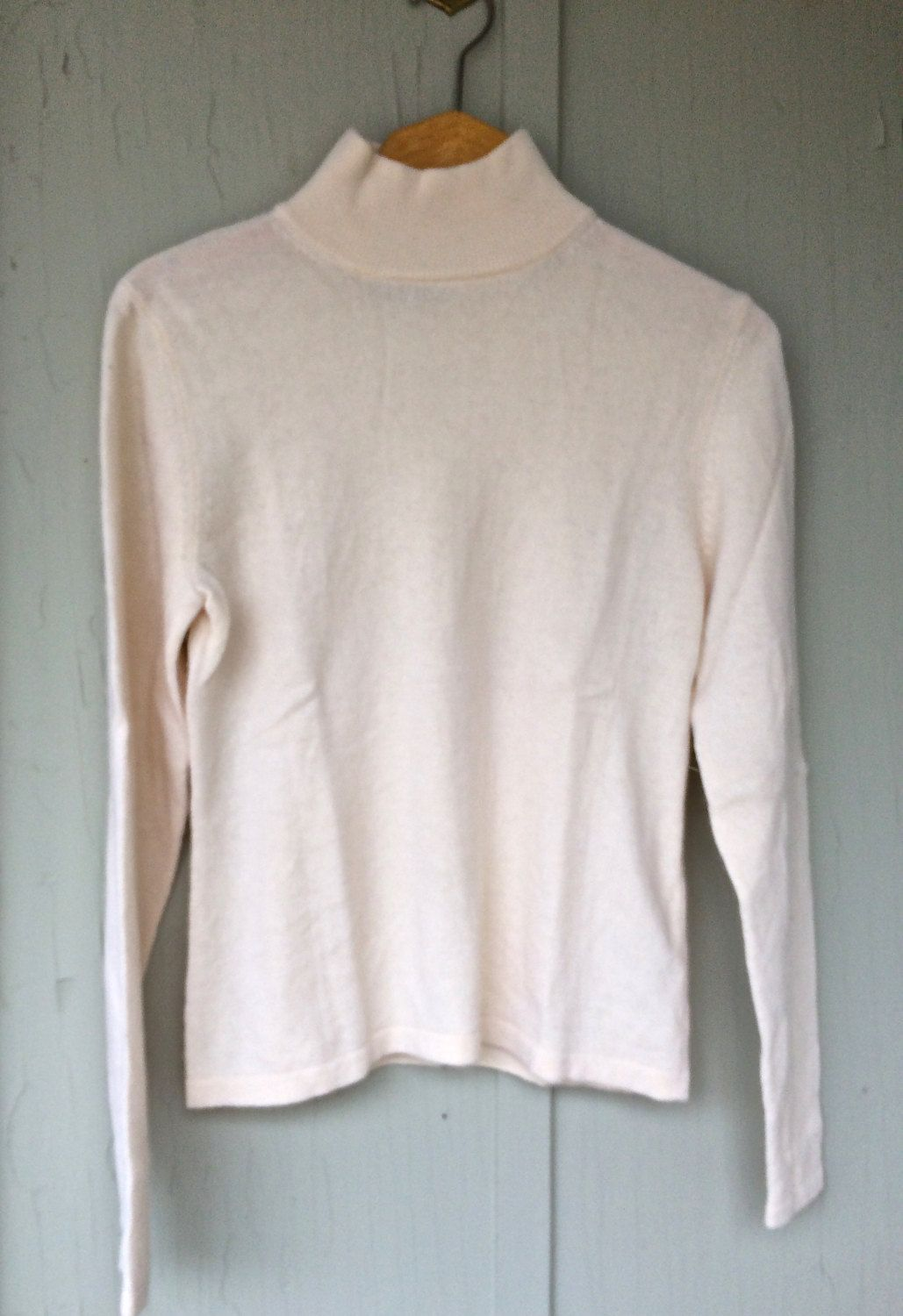 Soft warm winter white mock turtleneck cashmere sweater, vintage ...