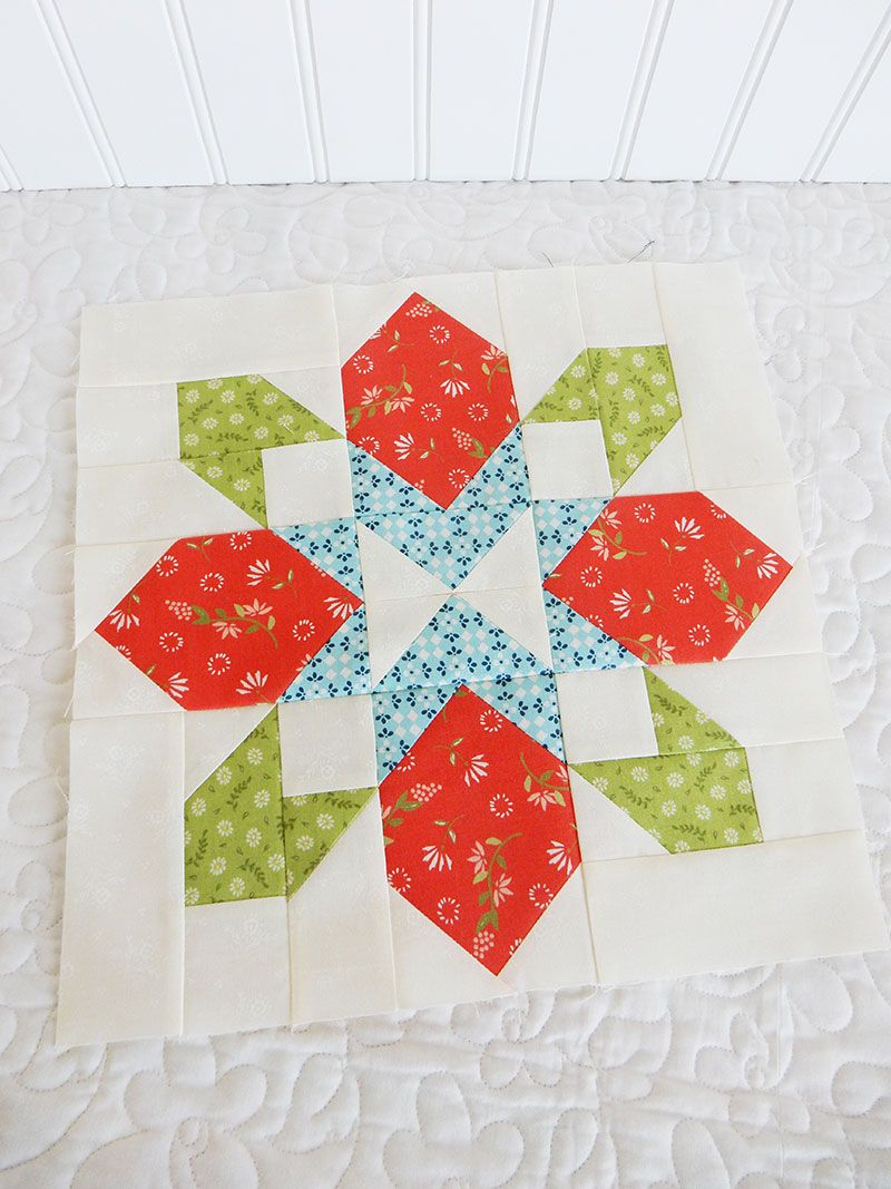 Free Christmas Quilt Patterns To Download.Merry Mini Quilt Christmas Quilt Along Quilt Blocks Quilts
