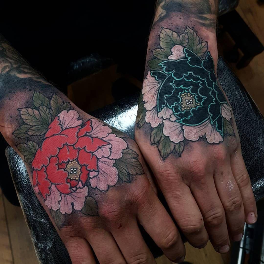 Elliot Wells Hand Tattoos Hand Tattoo Cover Up Back Of Hand Tattoos