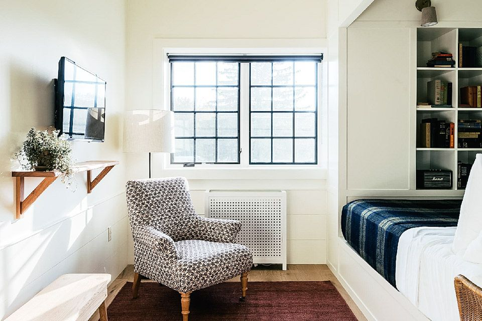 Rivertown Lodge studio idea Home, Gravity home, Hotels