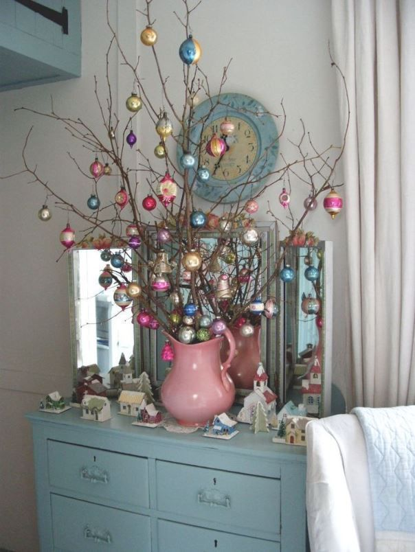 When contemporary meets vintage, a shabby chic is born This idea - contemporary christmas decorations