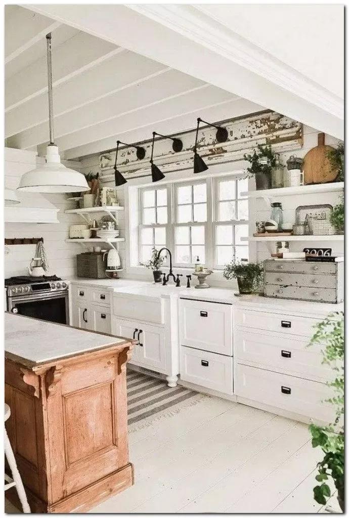 24 Beautiful Simple French Country Kitchen Ideas For Small Space Kitchenideas Kitchendecor Kitc Rustic Farmhouse Kitchen Home Decor Kitchen Kitchen Interior