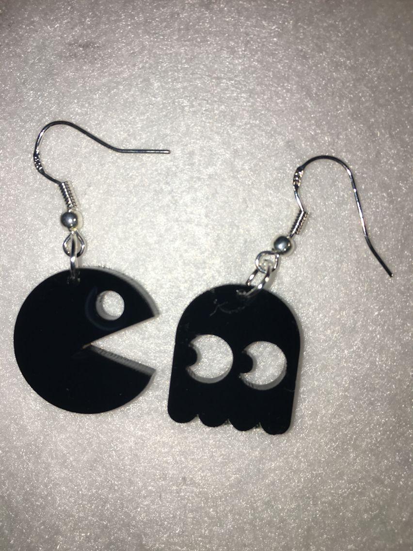 Laser cut acrylic pacman earrings. lasercut acrylic