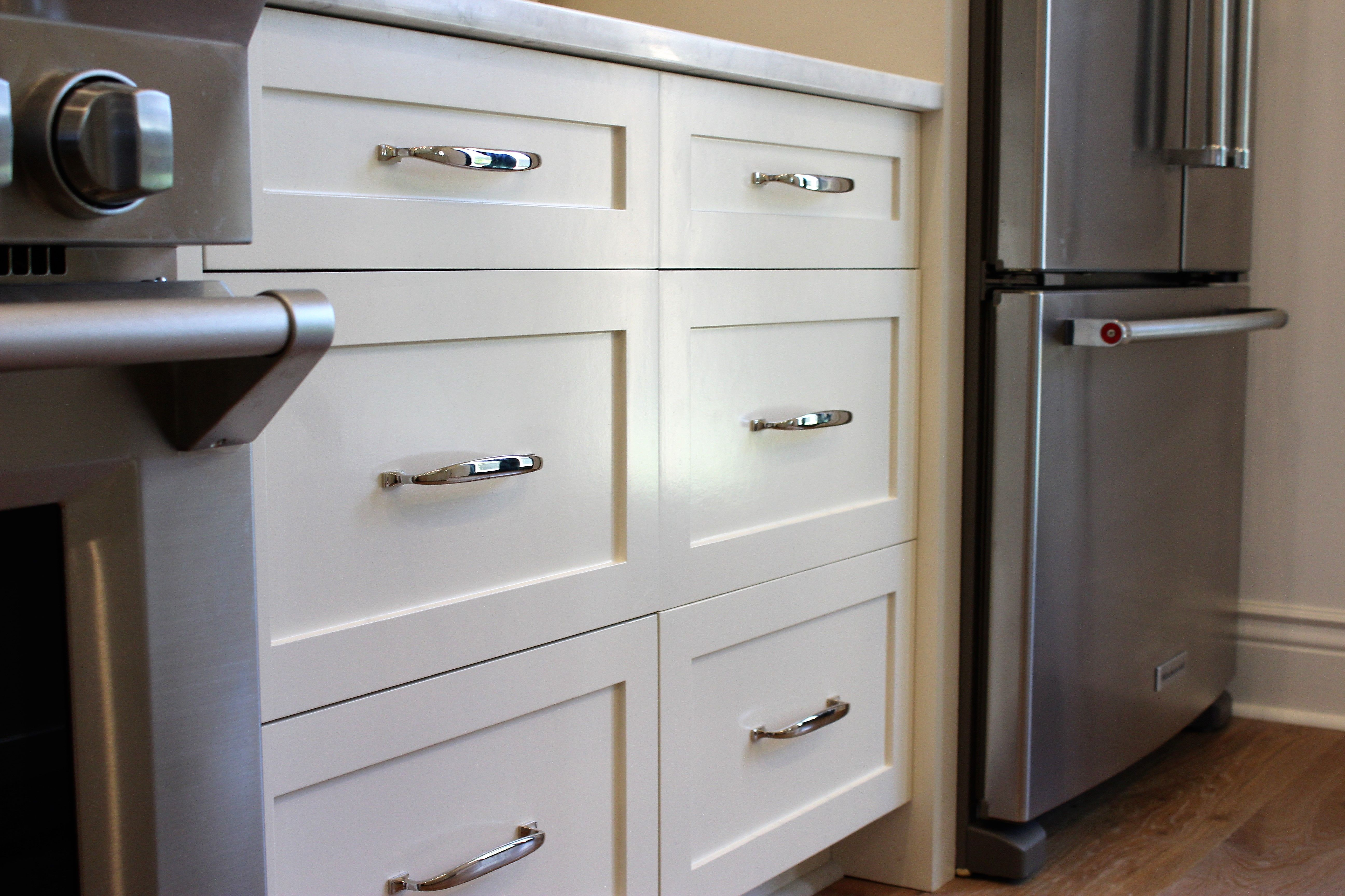 Best White Kitchen Cabinets With Premium Benjamin Moore By 400 x 300