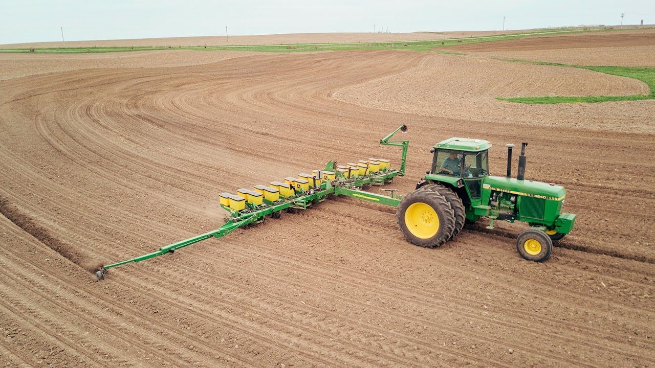 Green Means Go John Deere 4640 1760 Planter Planting Corn On