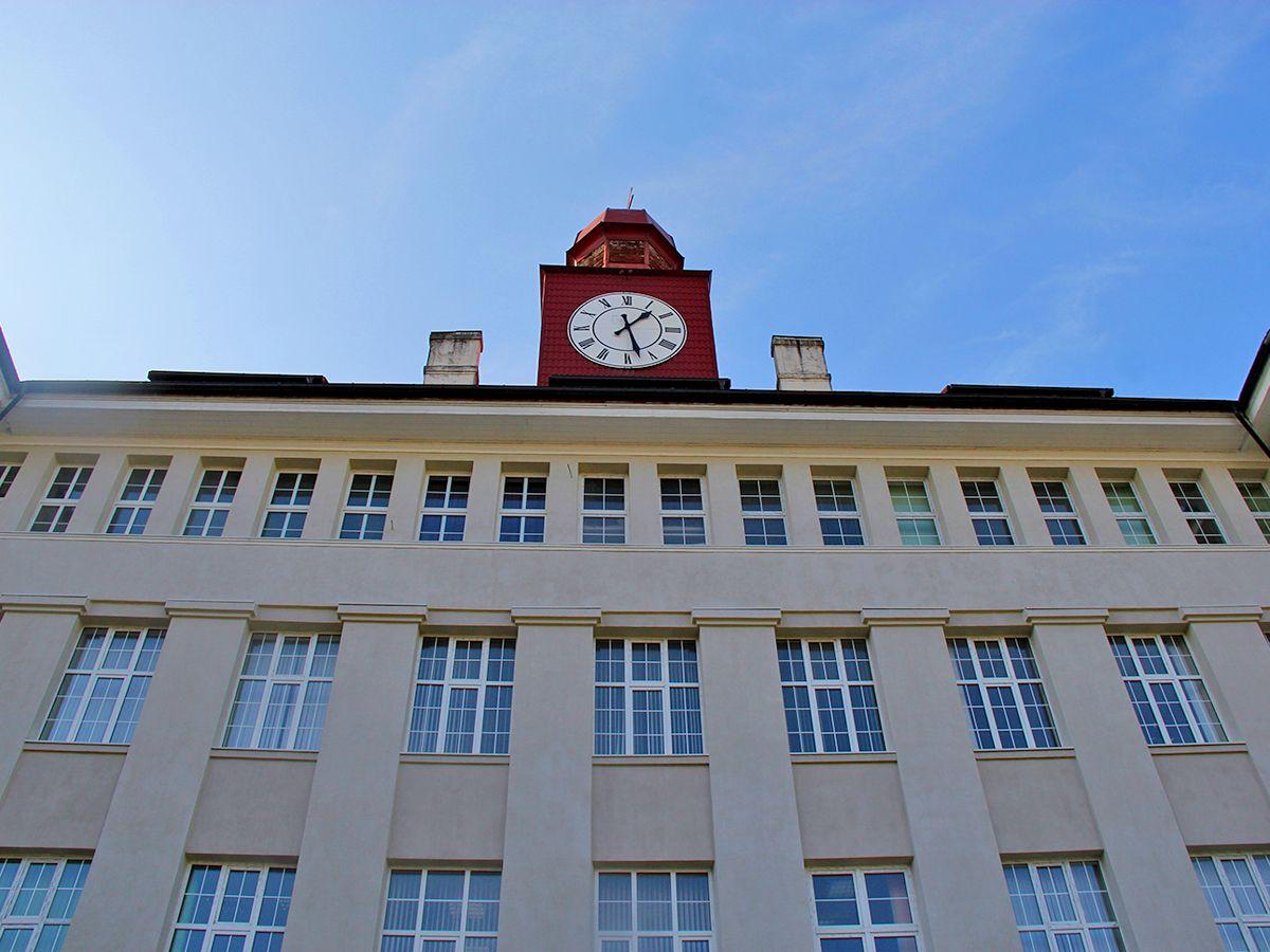 Башенка на здании университета