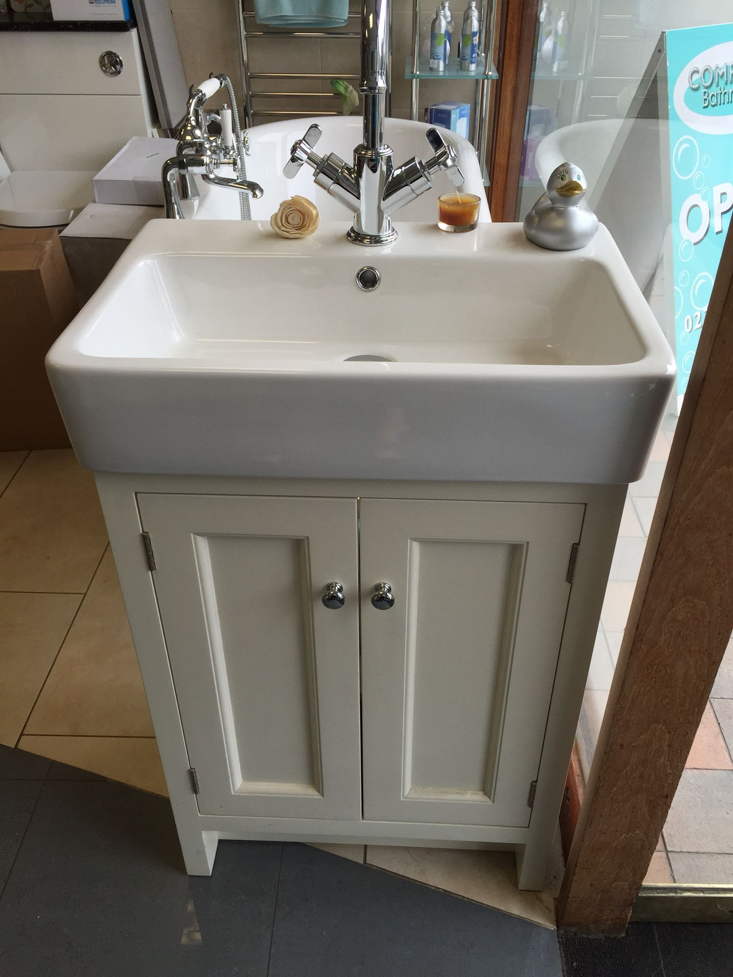 Roper Rhodes Hampton Unit In Vanilla Finish Bathroom Vanity Units Fitted Furniture Vanity Units