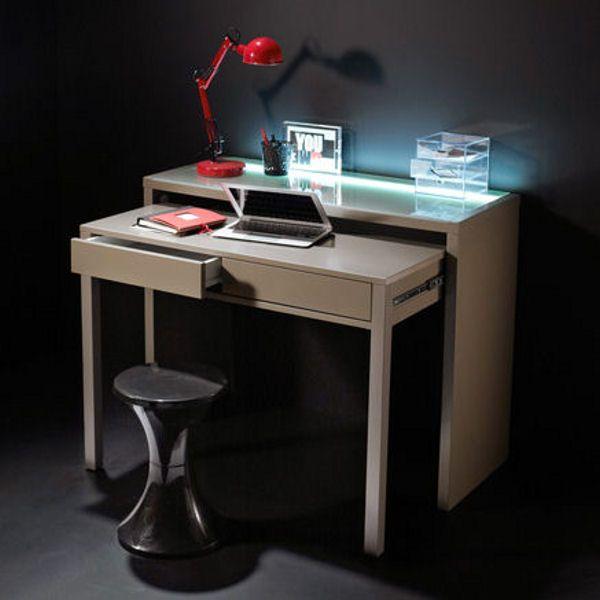 Un bureau m me dans un petit espace espaces minuscules - Bureau petit espace ...