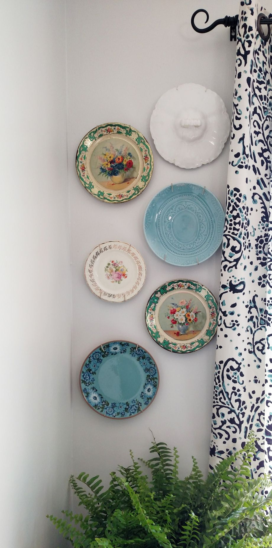 Vintage plate wall design inspiration.