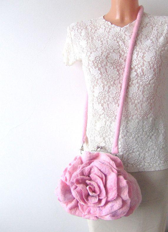 Felted handbag flower Pink Rosa flower | Pinterest | Bolsos, Fieltro ...