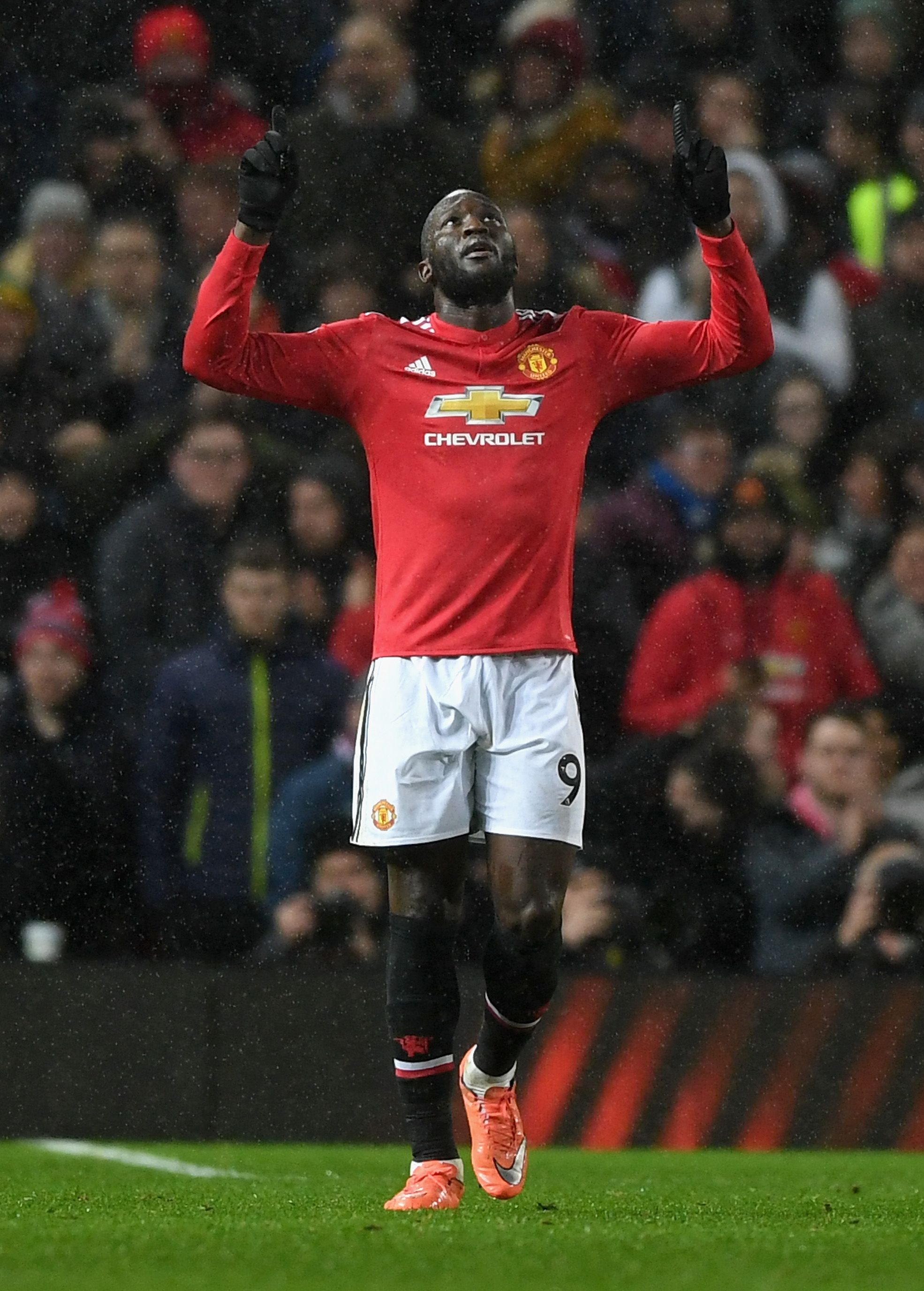 How Many More Goals Will Romelu Lukaku Score Official Manchester United Webs Manchester United Football Club Manchester United Football Good Soccer Players