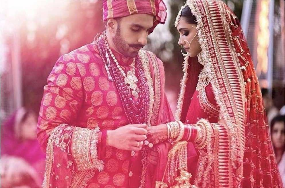The Real Anushka Sharma Deepika Padukone Lehenga Cost Frugal2fab Anushka Cost Deepika Padukone Lehenga Indian Wedding Photography Indian Wedding Poses