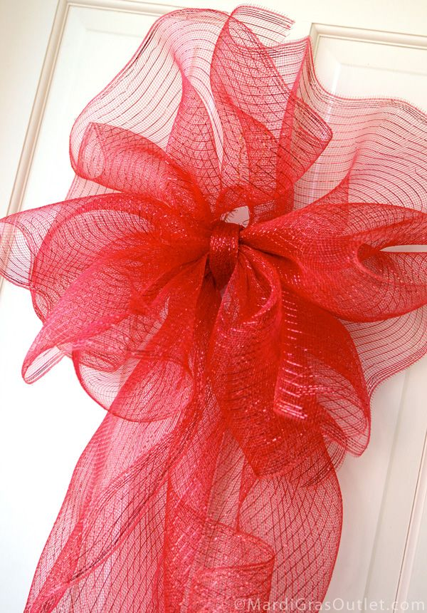 Making A Large Bow With Deco Mesh Mesh Wreath Madness