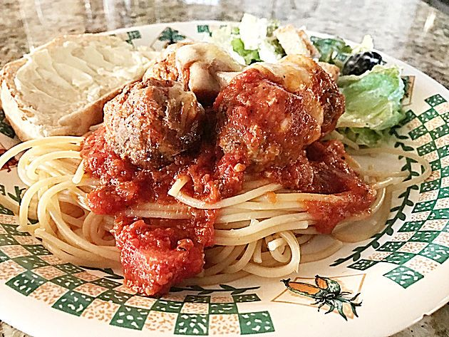 Sunday dinner meatballs and spaghetti hungry holidays blog fun sunday dinner meatballs and spaghetti hungry holidays blog fun food family forumfinder Images