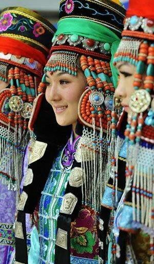 Mongolian woman in traditional clothes folklore pinterest mongolian woman in traditional clothes publicscrutiny Image collections