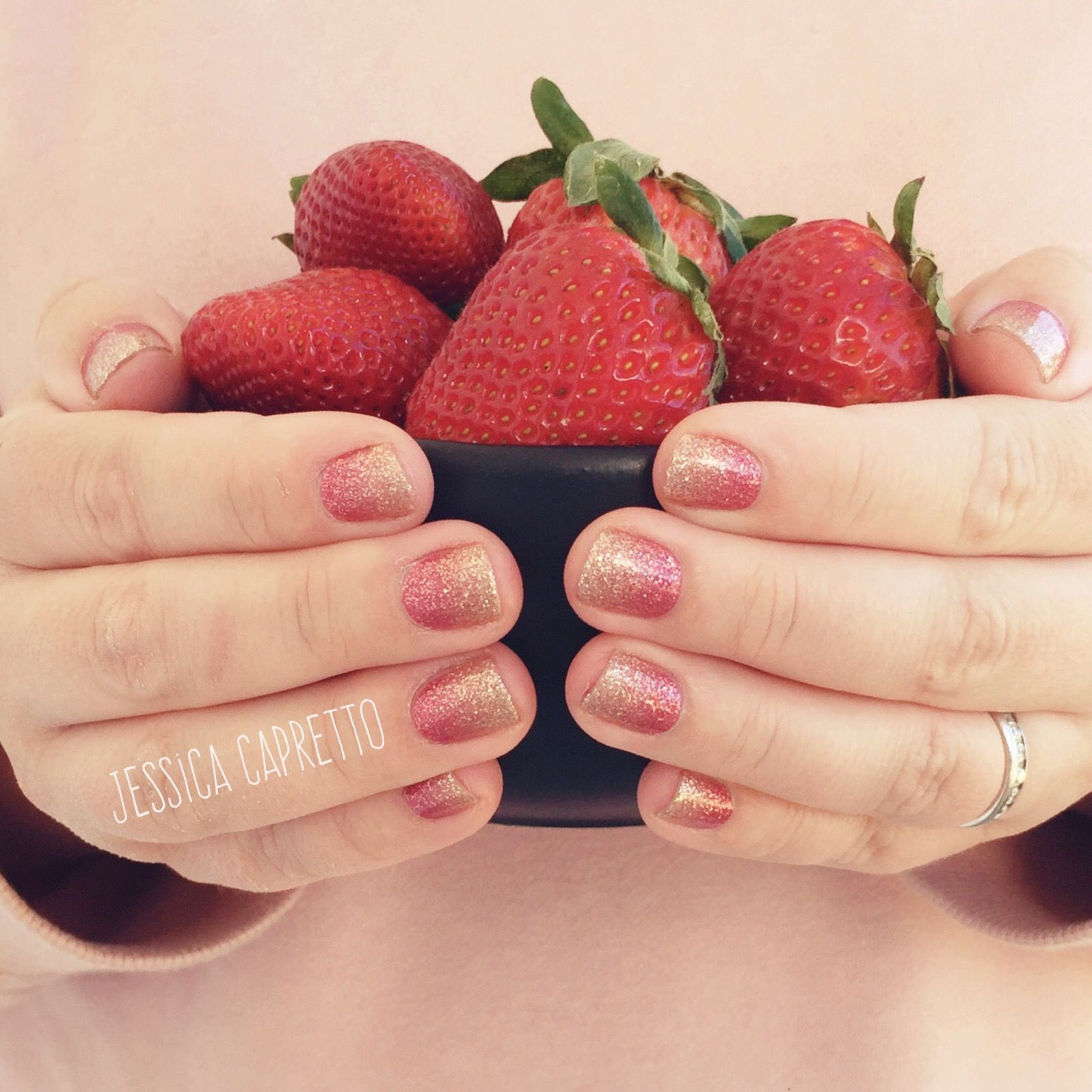 Color Street Coral Bay. Rose gold to champagne ombré. Ombré nails ...
