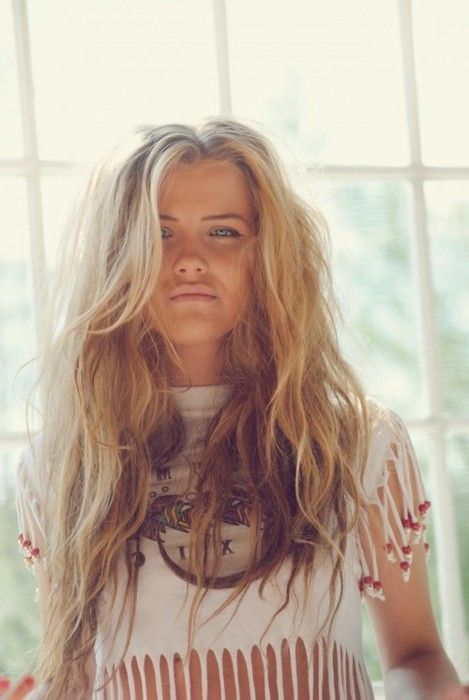 Boho-beach-hairstyle... my hair looks like this all the time... no matter what I do. Messy hair coming back.