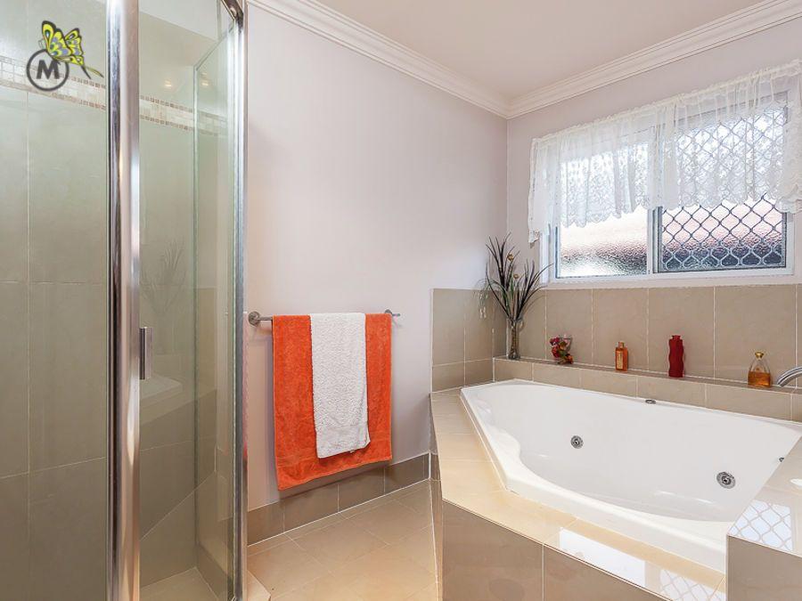 Spa bath #bathroom #ForSale #MHRE | Luxury Bathrooms | Pinterest ...