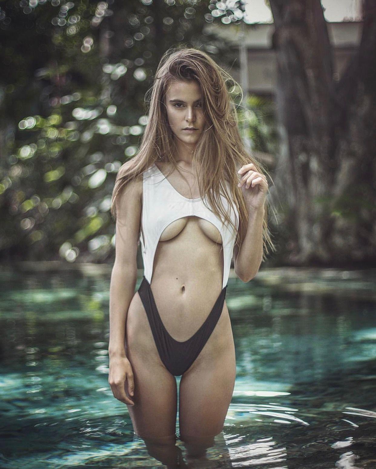 2019 Amberleigh West nude photos 2019