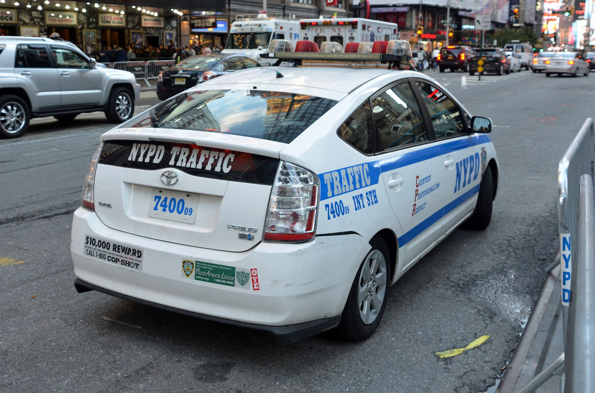 Nypd Traffic Int Sth 7400 Toyota Prius Police Vehicles Emergency Cars