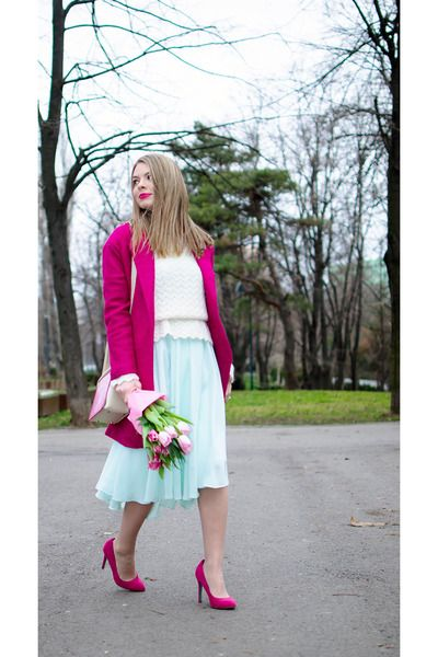 Hot-pink-romwecom-coat-cream-vintage-sweater