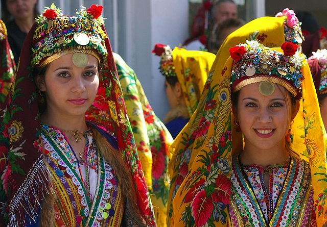 http://wanderingtrader.com/wp-content/uploads/2013/02/Bulgarian-Women.jpg