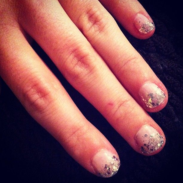 Glittery nails. Essie: Set in Stones