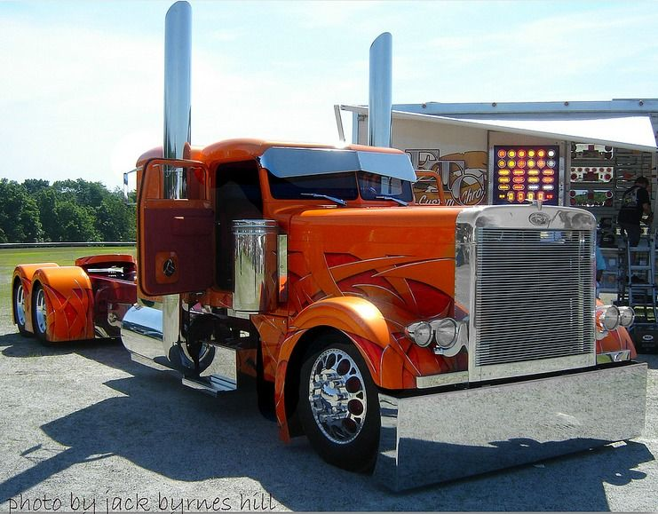 Big Rig Show Trucks The Pride Of The Trucking Industry How