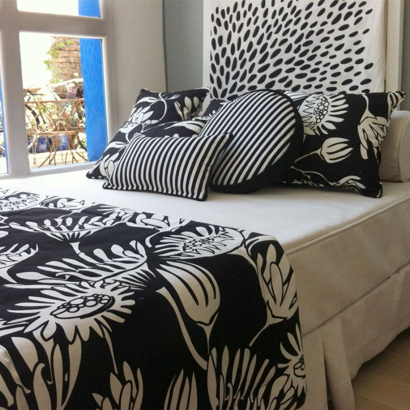 Camas con cojines cool en las camas de los nios la ropa - Mantas sofa primark ...