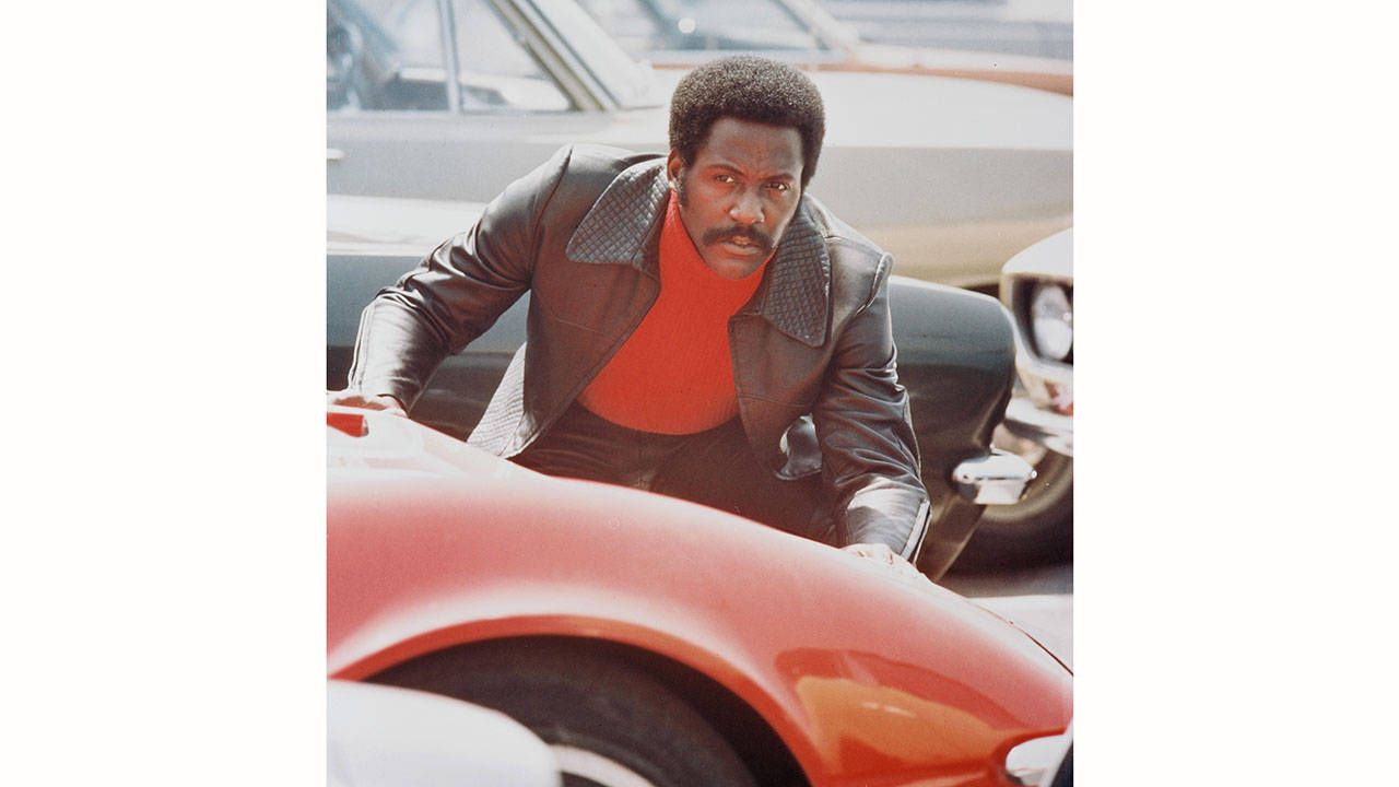 Photo of Richard Roundtree  - car
