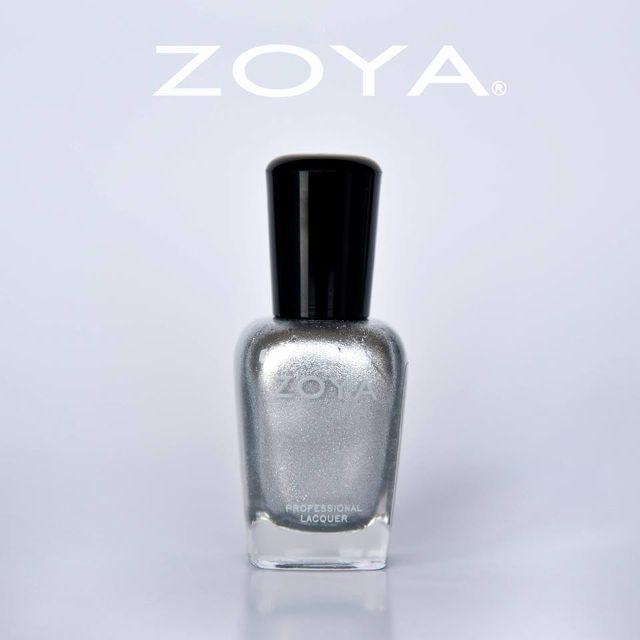 Zoya - Trixie / more on www.gloriasmood.com