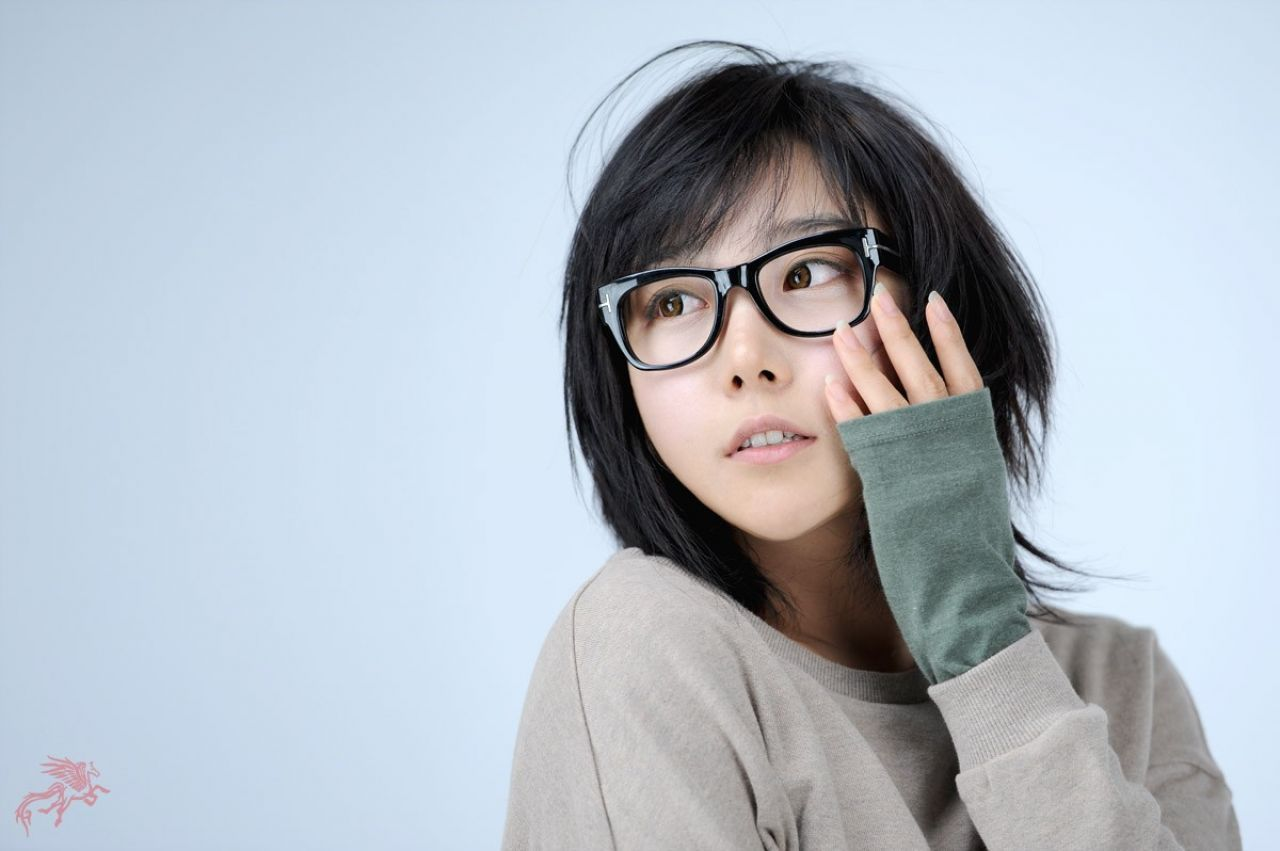 women-glasses-short-hair-asians-53d0adaf7ead9.jpg (1280×851)