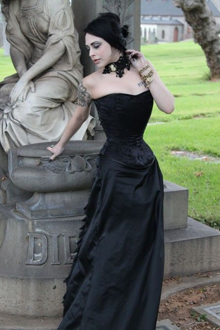 victorian-goth: Victorian goth http://victorian-goth.tumblr.com/