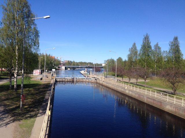 Pielisjoki Joensuussa päivällä toukokuussa 2016
