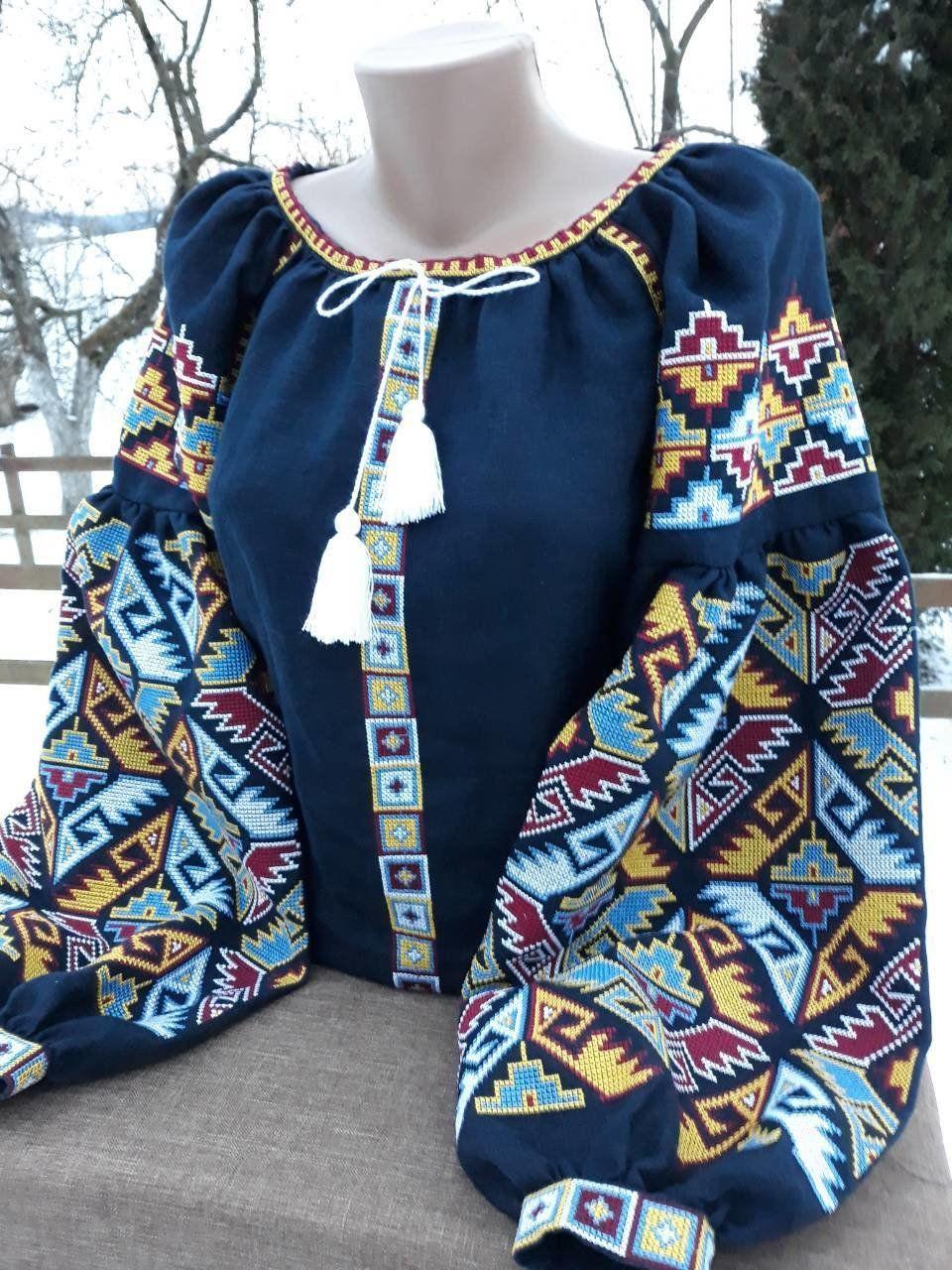 ef36b3c6a1757a Вишиванка, жіноча вишивана блузка на синьому льоні