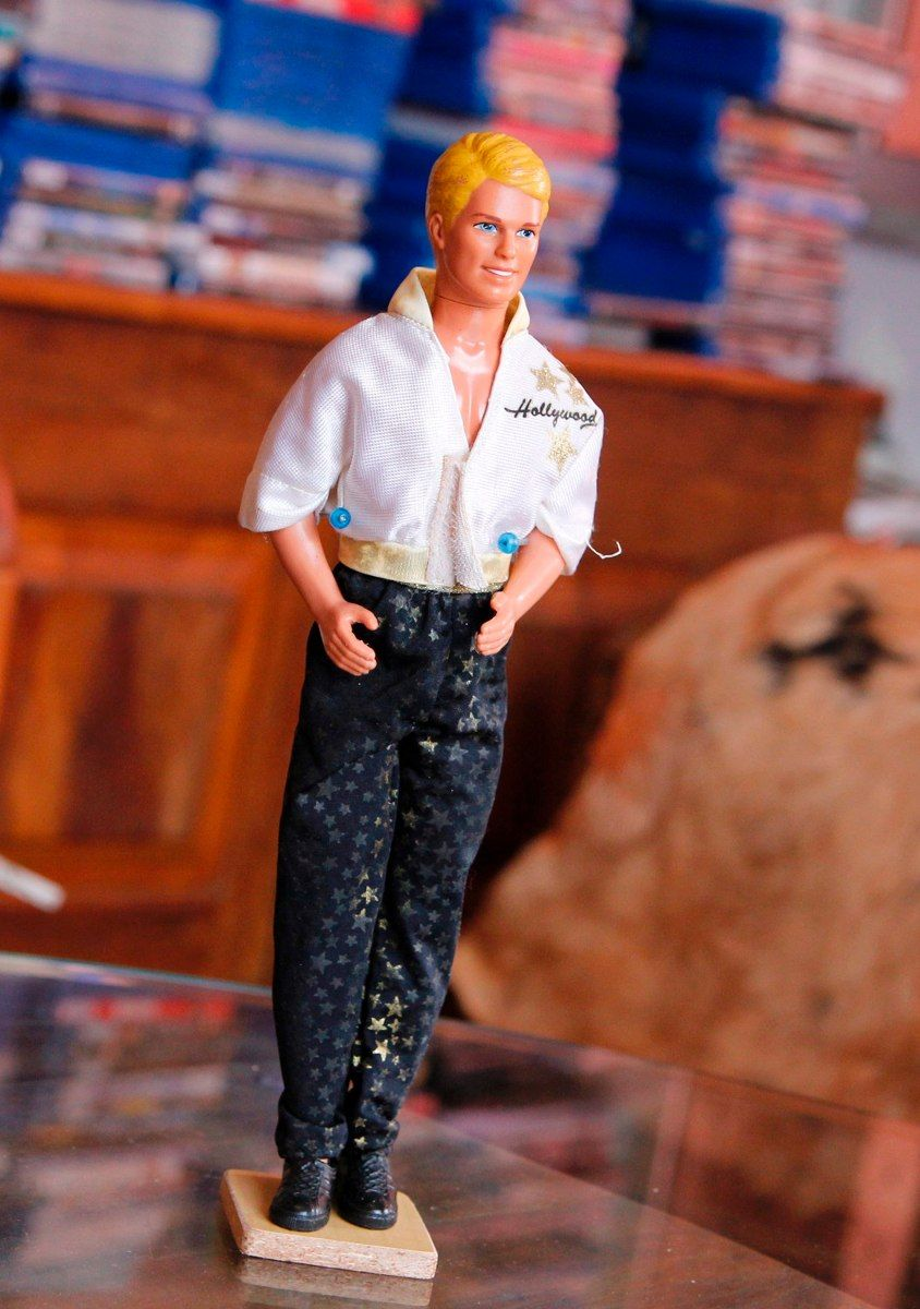 Boneco Ken Hollywood Barbie Estrela - R$ 70,00 en MercadoLibre