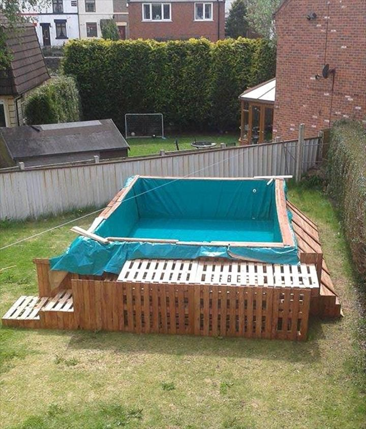 Build A Swimming Pool Out Of 40 Pallets Diy swimming
